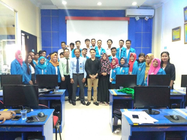 Soasialisasi dan Pembekalan Mahasiswa Oleh Alumni