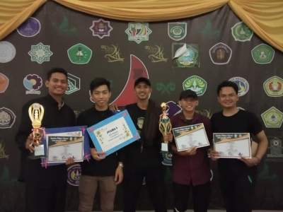 Team Futsal AMIK Tri Dharma Pekanbaru Menjadi Juara I di Kejuaraan Futsal Sayebina Bidikmisi Nasional Se-Provinsi Riau