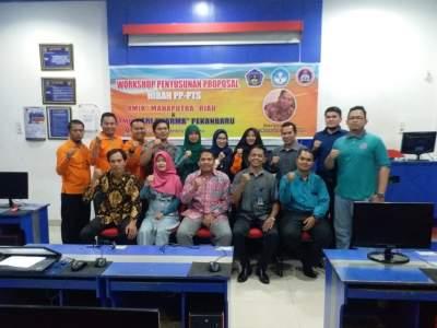 Workshop Penyusunan Proposal Hibah PP-PTS AMIK Tri Dharma Pekanbaru dan AMIK Mahaputra Riau