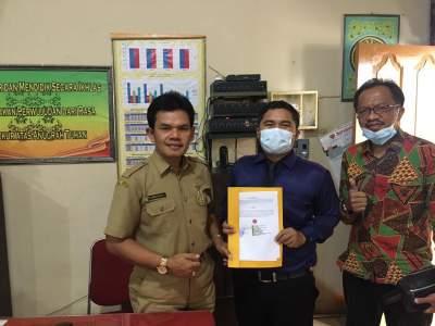 Penandatanganan MoU Oleh Direktur AMIK Tri Dharma Pekanbaru dan Pihak SMA Tunas Bakti