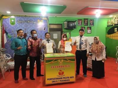 Program kerjasama Antara AMIK TRI DHARMA Pekanbaru dengan SMA N 7 Pekanbaru