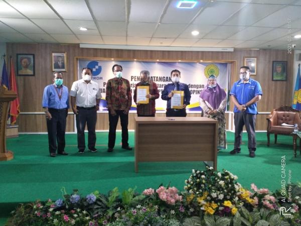 AMIK Tri Dharma Pekanbaru melakukan kerjasama dengan Asosiasi Pendidikan Tinggi Informatika dan Komputer (APTIKOM)